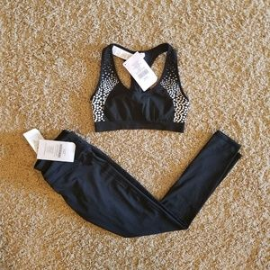 nwt fabletics outfit / bra & leggings set / sz xs